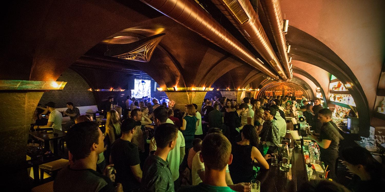 neon club praha paula wild